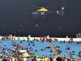Unschöne Szenen in Malabo: Äquatorialguineas Anhänger mussten per Hubschrauber vertrieben werden.