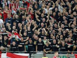Gaben ein schlechtes Bild ab: Einige ungarische Fans fielen negativ auf.