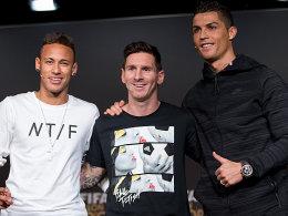 Die Top 3 der Wahl zum Weltfußballer: Lionel Messi (Mitte) lag deutlich vor Cristiano Ronaldo (re.) und Neymar.