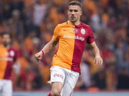 Podolski st��t Final-T�r weit auf