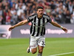 Gomez knipst Richtung Titel - Basels siebter Streich