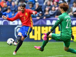 Russland verliert bei Neustädter-Debüt - Spanien mit Kantersieg