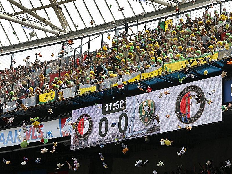 In Rotterdam Regnet Es Kuscheltiere Int Fußball Kicker