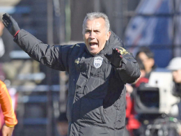 Podolski-Klub Kobe entlässt Trainer Nelsinho