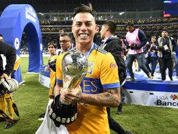 Vargas schießt Tigres zum Titel