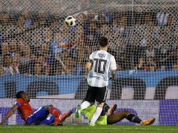Messi jubelt dreimal - Farfan trifft für Guerrero