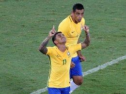 Spiel für Absturzopfer: Brasilien schlägt Kolumbien