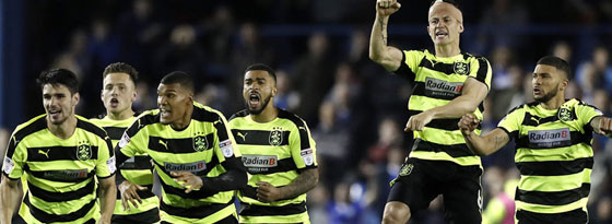 Mit 4:3 setzte sich Huddersfield gegen Sheffield Wednesday in der Elfmeter-Lotterie durch.