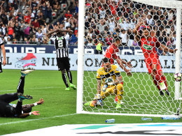 In der Nachspielzeit: Paris holt mit Glück den Pokal