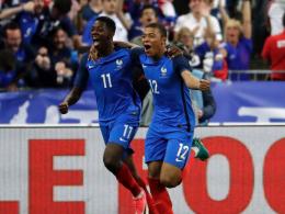 Dembelé schießt Frankreich in Unterzahl zum Sieg