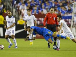 Schiedsrichter Marrufo lacht über Neymar-Schwalbe