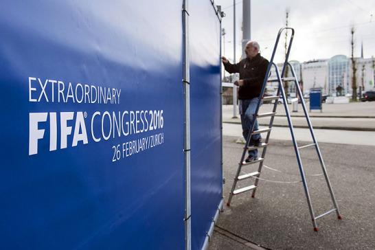 Nach den vielen Skandalen der j�ngsten Vergangenheit, ist der Weltverband FIFA derzeit eine gro�e Baustelle. Nun sollen die Weichen f�r die Zukunft gestellt werden.