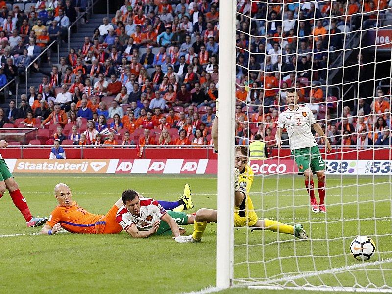 Niederlande bezwingen Bulgarien: Bayern-Star Robben hält WM-Traum am Leben