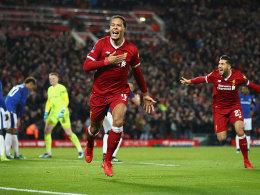 Van Dijk vergoldet sein Debüt und köpft Liverpool weiter
