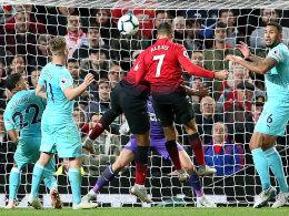 Mourinho ballt die Faust: Sanchez köpft ManUnited zum wilden 3:2!