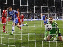 Torres dreht ab zum Torjubel, Manuel Neuer sah schon einmal glücklicher aus. Chelsea ging früh in Führung im Finale um den Supercup.