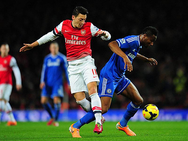 Özil (links) gegen Mikel