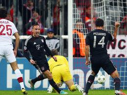 Pizarro machte beim klaren Erfolg gegen Lille für die Münchner drei Tore.
