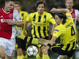 Neven Subotic gegen Ajax-Stürmer Derk Boerrigter
