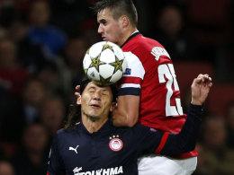 Teilzeitkraft: Marko Pantelic bei seinem einzigen Champions-League-Einsatz gegen Arsenals Carl Jenkinson.