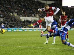 Lukas Podolski beim Torschuss