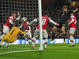 Müller staubt zum 2:0 für die Bayern ab.