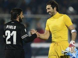 Zwei Juve-Leistungsträger mit Kultstatus: Andrea Pirlo und Gianluigi Buffon (re.).