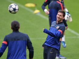 Bester Laune beim Abschlusstraining am Montagabend: Lionel Messi.