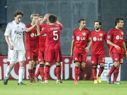 Gefühlswelten: Während Kopenhagens Thomas Delaney bedröppelt aus der Wäsche schaut, jubeln die Leverkusener.