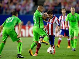 So lief aus beinahe ausschließlich: Juves Arturo Vidal foult Atleticos Mario Mandzukic.