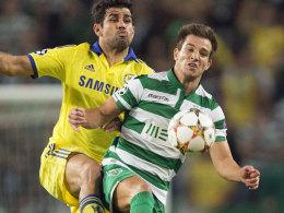 Sportings Cedric (re.) gegen Chelseas Diego Costa.