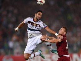 Medhi Benatia gegen Francesco Totti