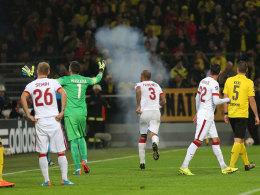 Rauch im Stadion, Aufregung auf dem Platz: Die Ereignisse beim Gastspiel Galatasarays in Dortmund haben ein Nachspiel.