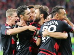 Jubeltraube: Leverkusen feierte einen klasse Start in die Champions-League-Gruppenphase.