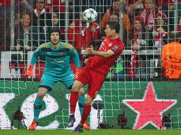 In Rücklage zur Führung: Bayerns Mittelstürmer Lewandowski.