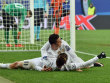 Cristiano Ronaldo(oben) jubelt mit Gareth Bale.