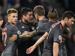 FCB dank Lewandowski im Achtelfinale - Gladbach 1:1