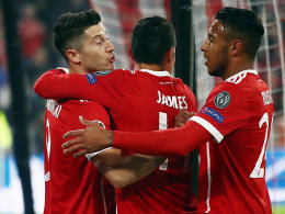 Glanzlose Bayern - Messi trifft gegen Buffon