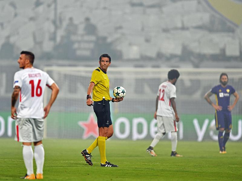 Schock in der Champions League: Moskauer Fans beschießen Deniz Aytekin mit Pyro