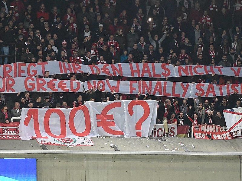 Champions League: Bayern-Fans protestieren mit Spielgeld gegen Anderlechts Preise