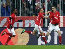 Bayern schlägt Atletico - Gladbach 0:4 - Arsenal noch 1.