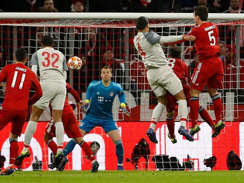 Lufthoheit: Van Dijk trifft per Kopf im CL-Achtelfinale gegen die Bayern.