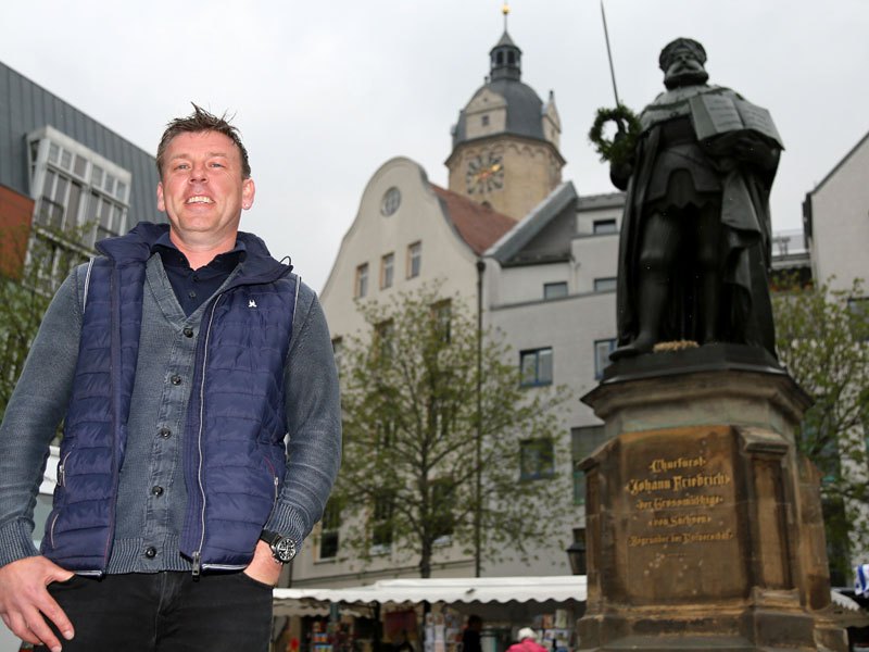 15 Jahre nach CL-Finale: kicker besucht Schneider in Jena
