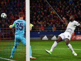 Doppelter Lukaku bringt United früh auf Kurs