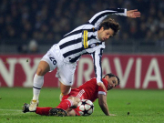 Zu Fall gebracht: Van Bommel ließ nicht nur Juves Diego straucheln, sondern führte Bayern ins Achtelfinale.
