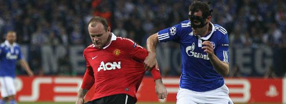 Rooney sichert den Ball gegen Metzelder