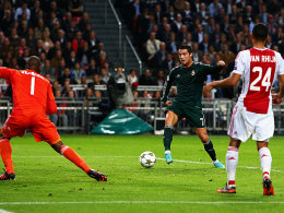 Cristiano Ronaldo (Mi.), Kenneth Vermeer (li.), Ricardo van Rhijn