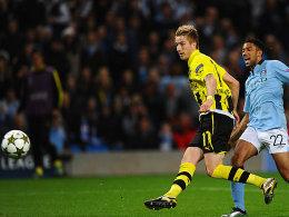 Marco Reus erzielt in Manchester Dortmunds Führung.