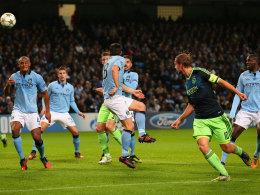 Siem de Jong trifft per Kopf zum 2:0