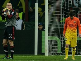 Ein Bild mir Symbolcharakter: Messi ist traurig, Abbiati hat den Ball.
